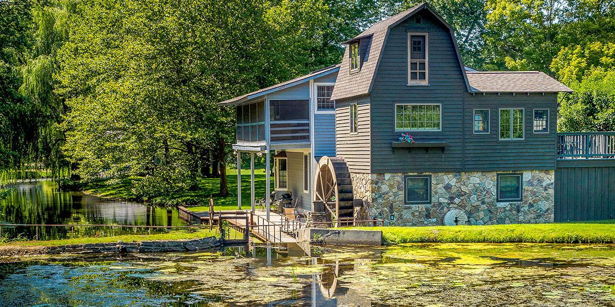 Barn, Barn by the lake, barn by a lake, farm setting