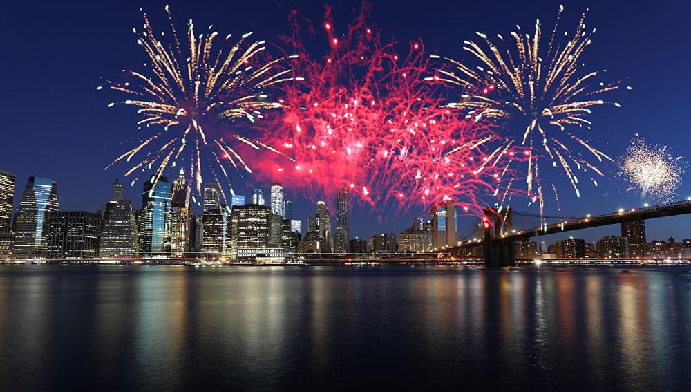 fireworks in New York City, Macy's July Fourth Fireworks, July Fourth Fireworks NYC, Fireworks over the Brooklyn Bridge