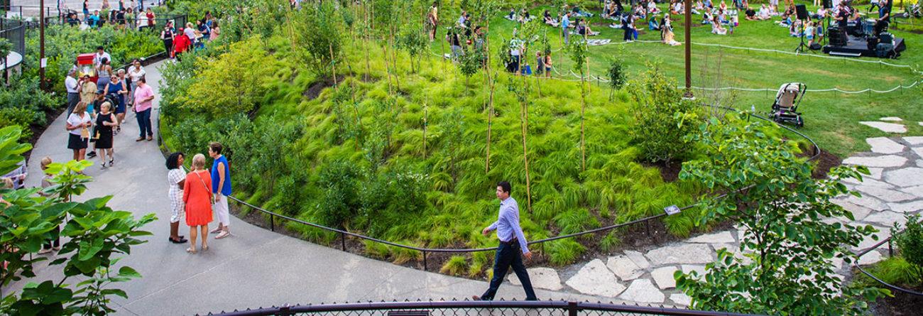 bennett park, bennett park chicago, man walking in park
