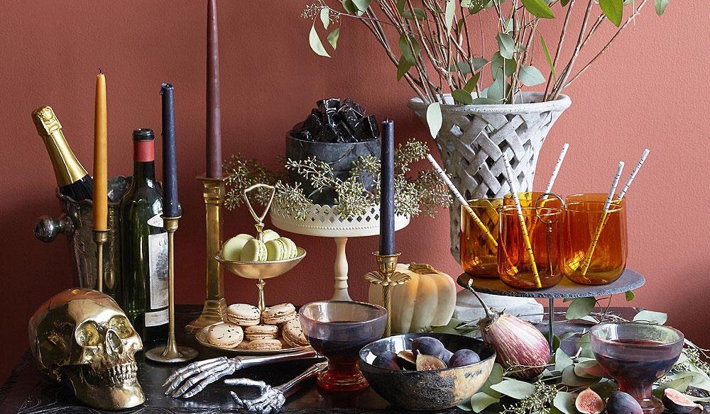 Halloween tablescape, halloween decorations, sophisticated halloween decorations