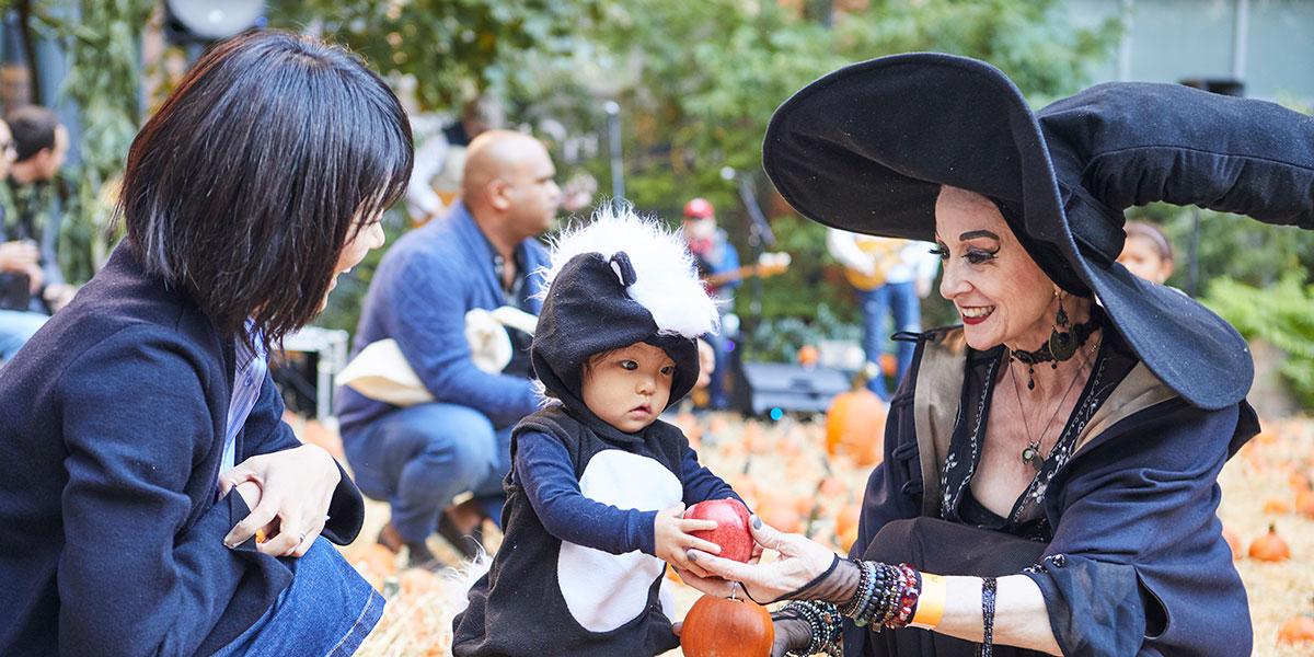 skunk halloween costume, halloween in new york