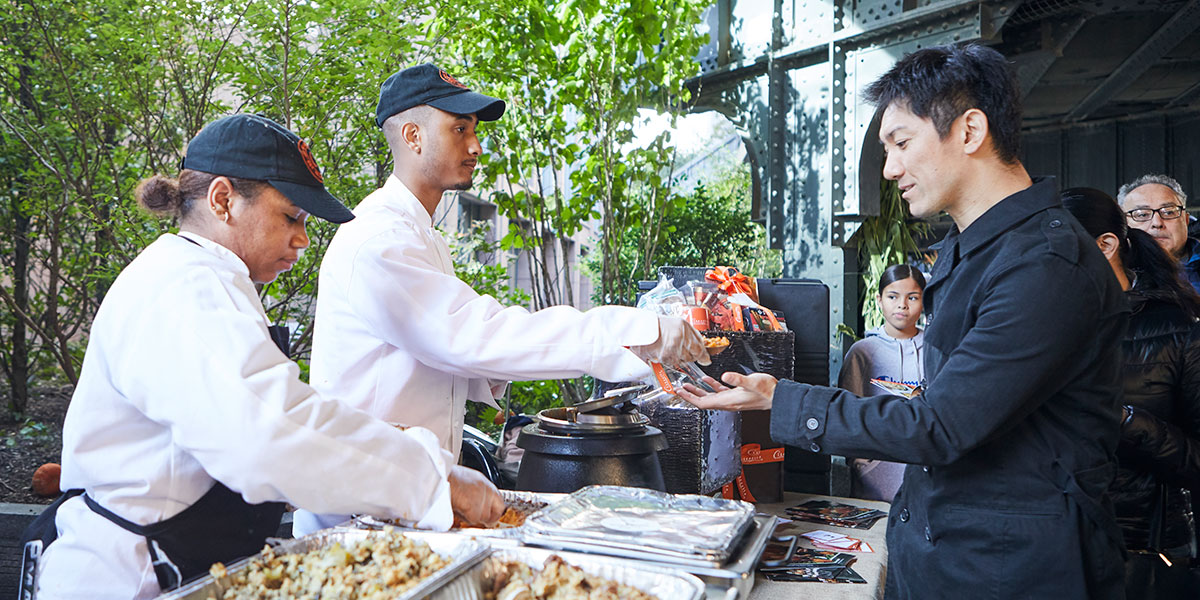 Citarella, Citarella Hudson, people serving food
