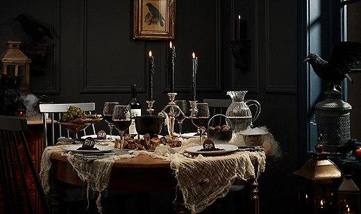 halloween table, halloween decorations