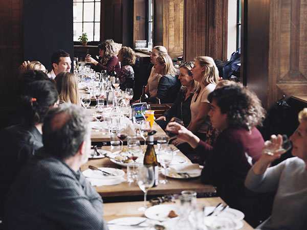 restaurant, people eating in a restaurant, london restaurant, best london restaurants