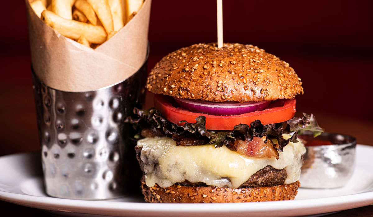 hudson yards grill, hudson yards grill burger