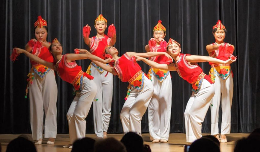 red silk dancers, hudson yards dancers, lunar new year, lunar new year hudson yards